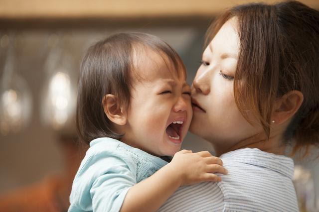 2歳、3歳で夜泣きをするのは何が原因?対処法は?保育士が解説!