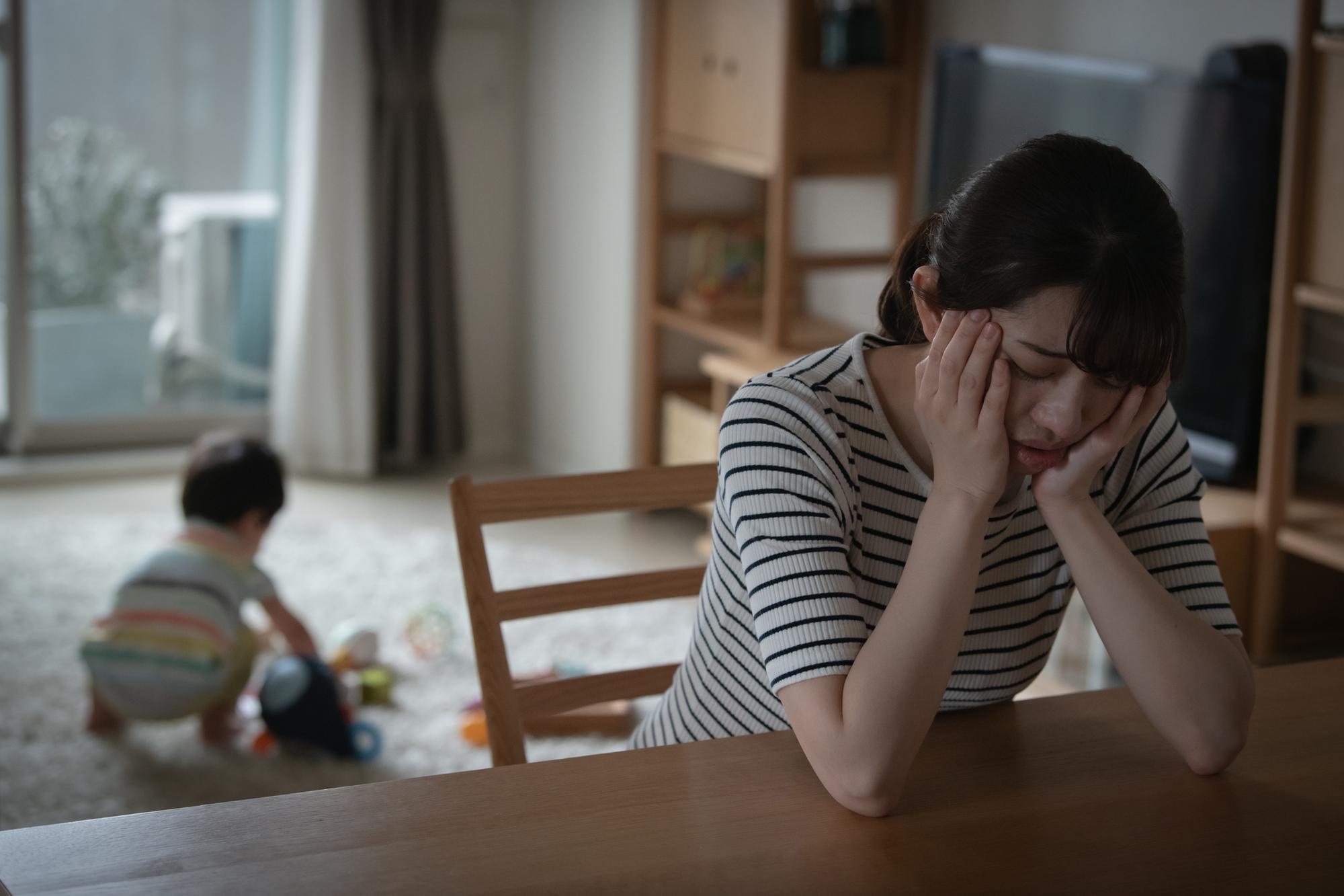 【医師解説】夜泣きでイライラ!親のストレスが子どもに伝わる?どう対処したらいい?